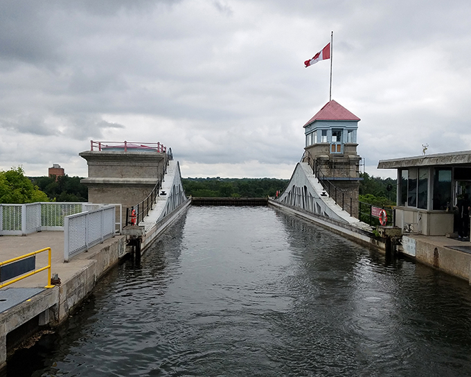 Peterborough lift lock 7