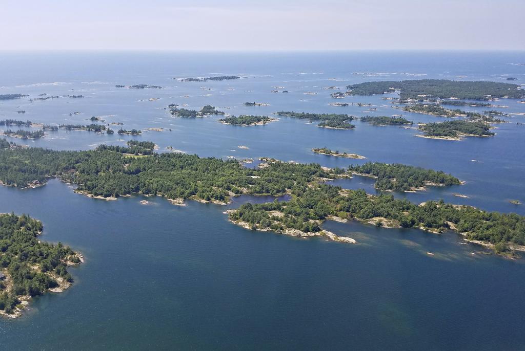 Georgian Bay from the air 6