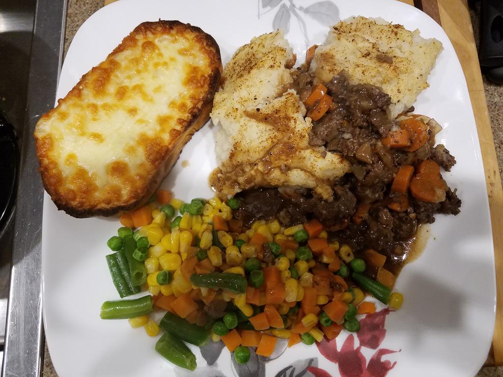 Drummond Island meat pie dinner